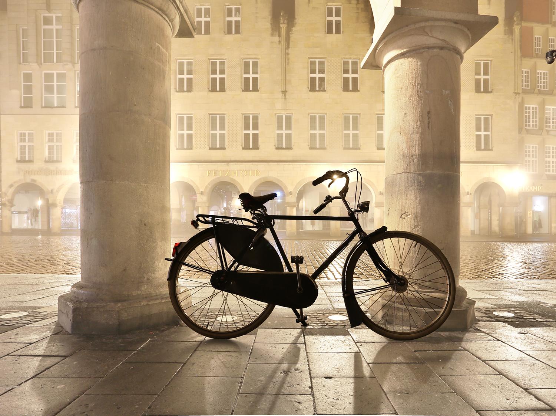 Georg Hopp Fahrrad am Prinzipalmarkt im Nebel
